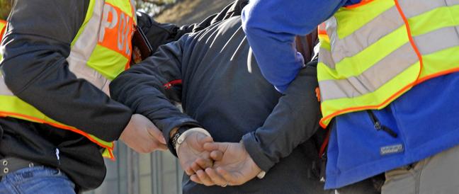 Illegale Einreisen, Haftbefehle und Drogen