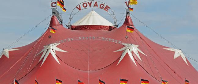Streit um Gastspielerlaubnis in Rosenheim: Zirkus um Circus Voyage
