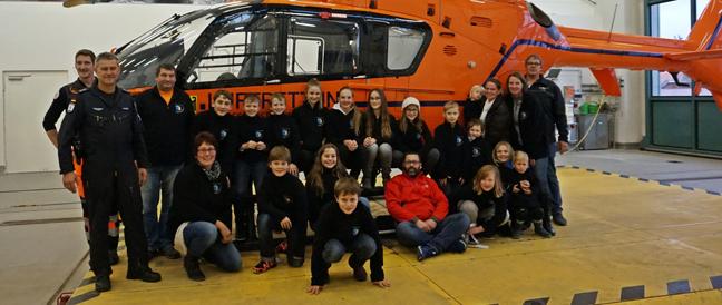 Jugendrotkreuz Haag mit einem Blick hinter die Kulissen