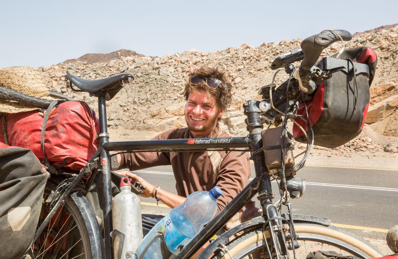Film-Tipp: Anderswo. Allein in Afrika. Interview mit dem Protagonisten Anselm Nathanael Pahnke.