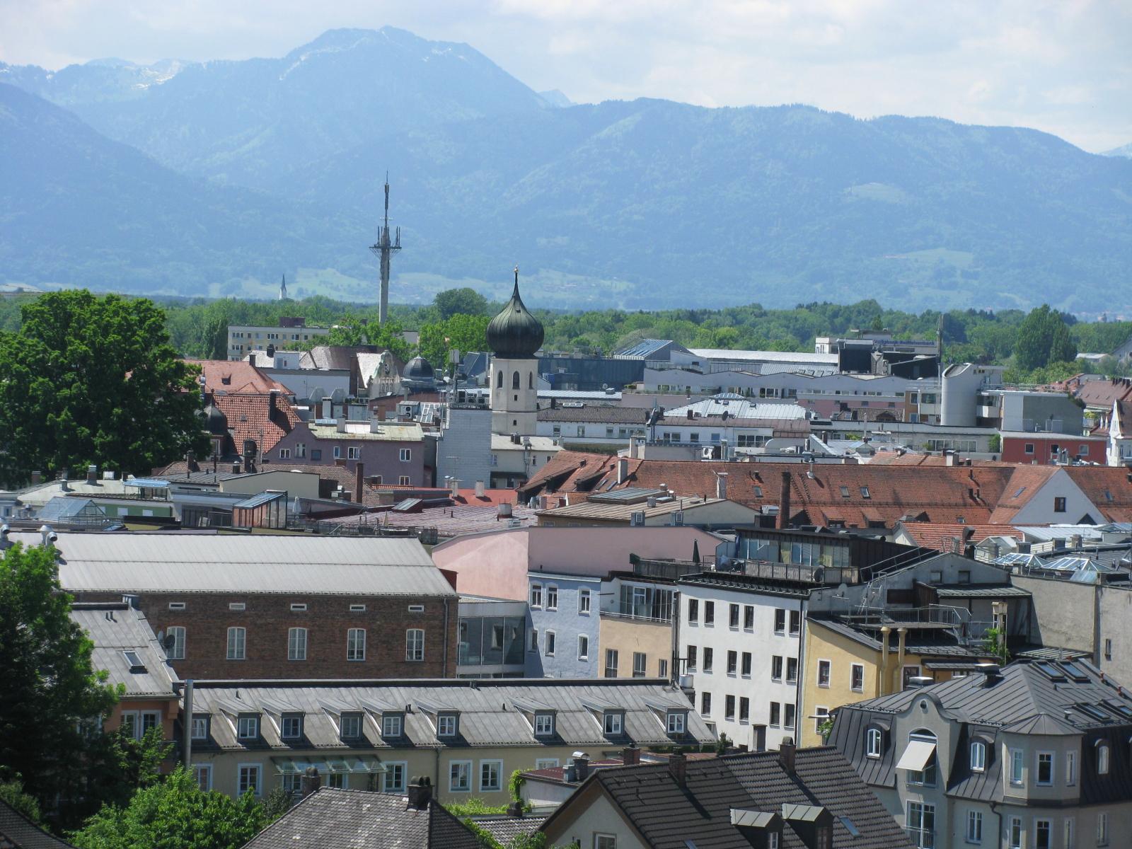 """Neuer Nahverkehrsplan für Stadt und Landkreis Rosenheim – Voit: """"Verkehr neu denken"""""""