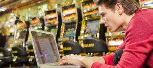 Glücksspielsucht: Machen Sie sich nicht zum Komplizen!