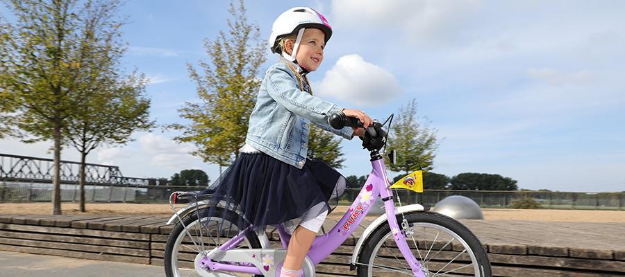 Kinder mit ihren Fahrzeugen: Hier dürfen sie fahren