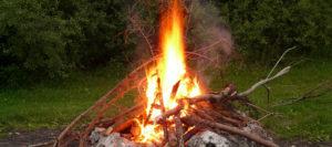 Lagerfeuer am Jenbach ruft Polizei auf den Plan