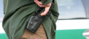 Bewaffneter Mann in Aschau am Inn – Polizeibeamte geben zwei Warnschüsse ab
