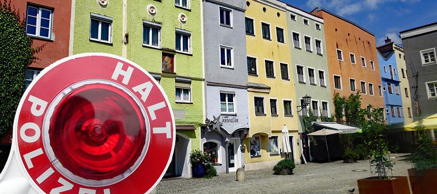 Polizei überwacht neue Verkehrsregelung im Altstadtkern