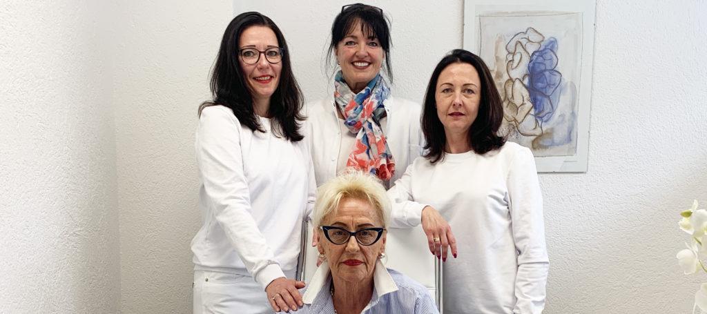 Das Profi-Team der Zahnarztpraxis Gabriela Gutowski in Waldkraiburg freut sich auf Ihren Besuch. Foto: Thomas Schalk