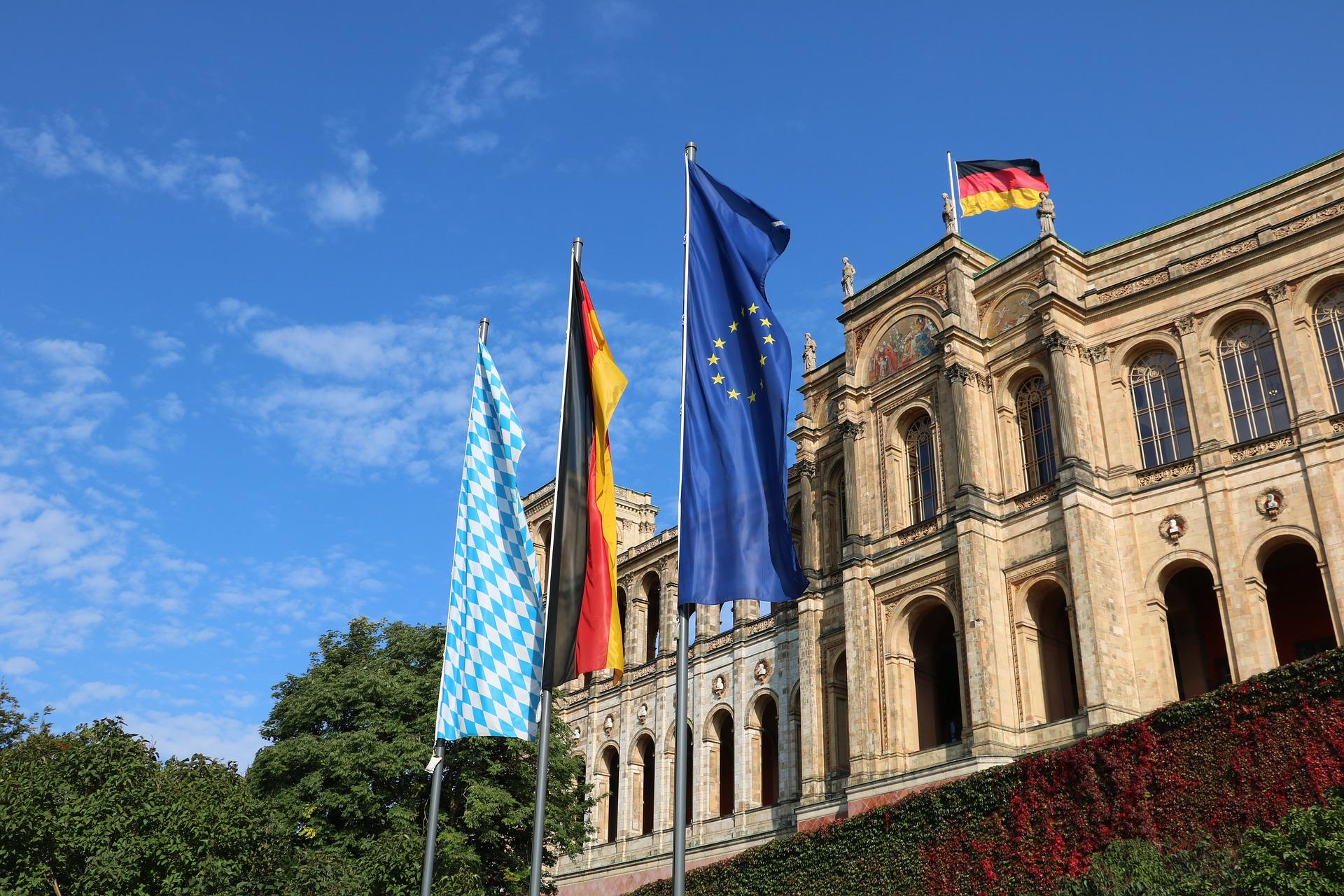 """Corona-Krise: Volksbegehren zur Abberufung des Bayerischen Landtags – Herrmann: """"Ganz eindeutig aus der Querdenker-Szene"""""""